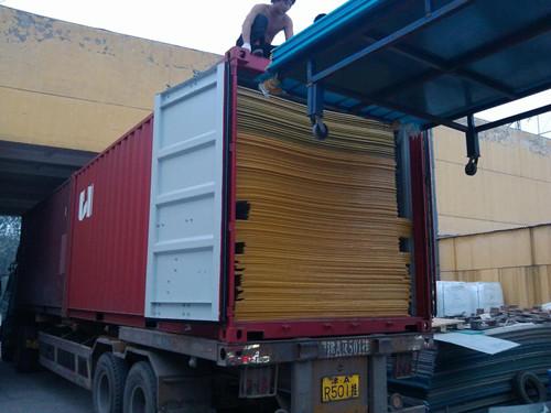 阳光板出口美国装进集装箱